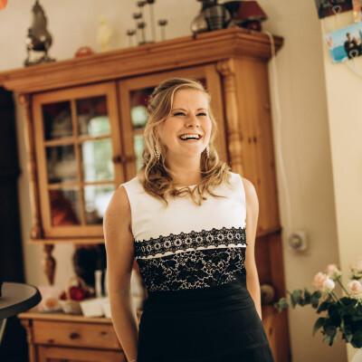 Lucia zoekt een Huurwoning / Appartement / Studio / Woonboot in Groningen