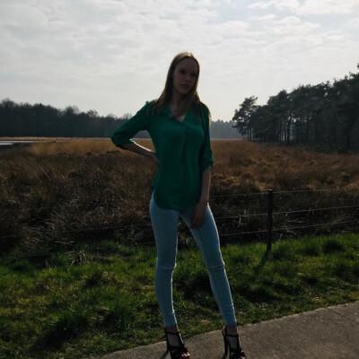 iris zoekt een Appartement / Huurwoning / Kamer / Studio in Groningen